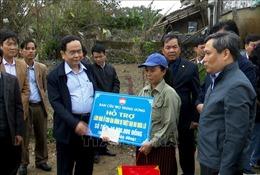 Thăm, tặng quà người dân Quảng Bình chịu ảnh hưởng của bão lũ
