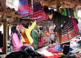 Gắn bảo tồn văn hóa các dân tộc với phát triển du lịch ở Lai Châu