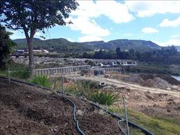 Khẩn trương xử lý, tháo dỡ công trình lấn chiếm sông Đa Nhim