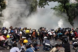Đụng độ giữa người biểu tình và lực lượng an ninh vẫn nổ ra tại Myanmar