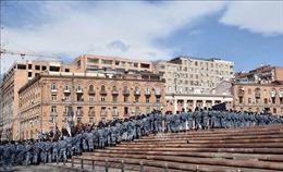 Armenia dỡ bỏ lệnh thiết quân luật