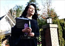 Vụ kiện dẫn độ CFO Huawei: Bà Mạnh Vãn Châu đề nghị hoãn phiên tranh tụng