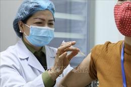 Hoàn thành việc tiêm thử nghiệm mũi 2 giai đoạn 2 vaccine Nano Covax