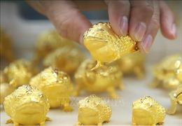Giá vàng thế giới tuần qua tăng gần 1%