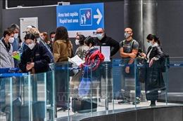 Các hãng hàng không vật lộn với tình trạng khách dùng giấy chứng nhận xét nghiệm COVID-19 giả