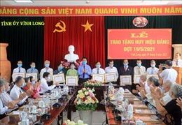 Vĩnh Long: Trao Huy hiệu Đảng đợt 19/5 cho đảng viên cao tuổi Đảng