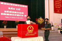Cử tri lực lượng vũ trang Hậu Giang bầu cử sớm
