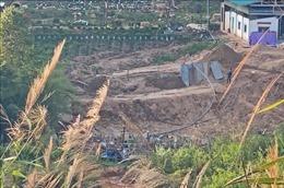 Ngang nhiên khai thác cát trái phép giữa thành phố Đà Lạt
