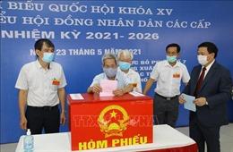 Hàng triệu cử tri Hà Nội tươi vui, phấn khởi đi bỏ phiếu