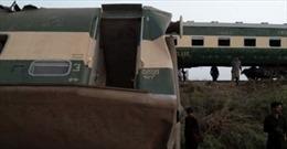 Hai đoàn tàu cao tốc đâm nhau ở Pakistan, ít nhất 30 người thiệt mạng