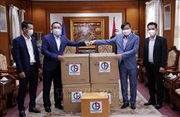Tập đoàn Phongsubthavy của Lào ủng hộ Quỹ phòng chống COVID-19 của Việt Nam