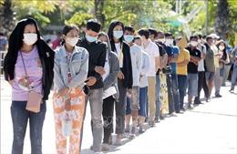 Campuchia thêm 911 ca mắc, 24 ca tử vong do COVID-19