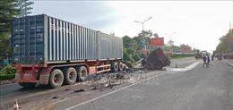 Va chạm xe container với xe bơm bê tông, một phụ nữ tử vong