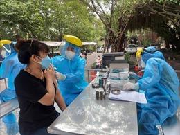 Vĩnh Long: Tiếp tục tổ chức tiêm vaccine nhanh và đảm bảo an toàn