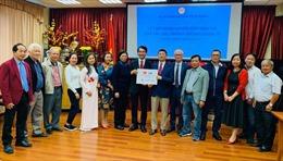 Người Việt tại Slovakia quyên góp ủng hộ Quỹ Vaccine phòng COVID-19