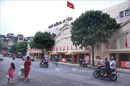 Chợ Hà Nội dè dặt hoạt động trở lại