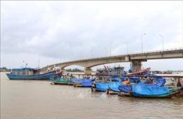 Ứng phó bão số 8: Quảng Trị không cho tàu, thuyền ra khơi từ 12 giờ ngày 12/10