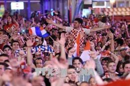 WORLD CUP 2018: Cổ động viên Croatia khuấy đảo Moskva