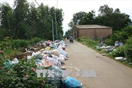 Quảng Ngãi: Người dân chặn xe chở rác, đường làng, ngõ xóm bị rác thải bủa vây