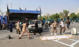 Iran cáo buộc những kẻ tấn công lễ diễu binh có liên hệ với Mỹ và Israel