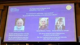 Nobel Vật lý 2018 vinh danh phát minh mang tính đột phá trong lĩnh vực vật lý laser