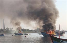 Điều tra nguyên nhân vụ nổ tàu cá ở Lý Sơn