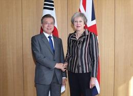 Lãnh đạo Hàn Quốc, Anh thảo luận về quan hệ song phương và phi hạt nhân hóa Triều Tiên