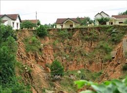 Người dân đang 'ngóng' khu tái định cư khi mùa mưa lũ tới