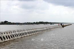 Khẩn cấp triển khai giải pháp bảo vệ bờ sông, hồ và đê biển tại Cà Mau