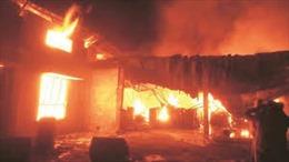 Hỏa hoạn thiêu rụi nhà máy chế biến thực phẩm, sơ tán khẩn cấp 400 nhân viên