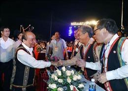 Thủ tướng Nguyễn Xuân Phúc dự Festival văn hóa Cồng chiêng Tây Nguyên