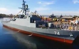 Iran 'trình làng' tàu khu trục 100% nội địa