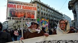 Hàng chục nghìn người biểu tình phản đối dự án đường sắt cao tốc với Pháp