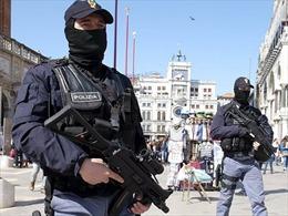 Cảnh sát Italy bắt giữ đối tượng âm mưu gài bom ở các nhà thờ
