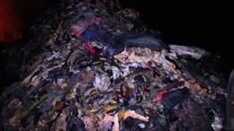 Lợi dụng đêm tối, đổ trộm hàng tấn rác thải công nghiệp ra môi trường