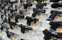 Mỹ đề xuất trang bị vũ khí cho các nhân viên tại trường học