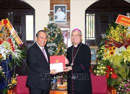 Phó Thủ tướng Thường trực Chính phủ thăm và chúc mừng giáng sinh tại Đà Nẵng