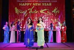 Cộng đồng người Việt ở các bang miền Tây Canada hân hoan đón Tết cổ truyền