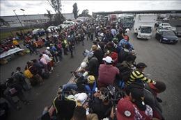 Bị tấn công tại Guatemala, 3.000 người di cư Trung Mỹ tràn vào Mexico