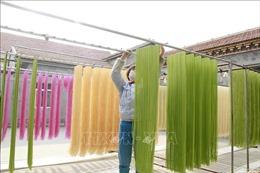 Độc đáo mì sợi nhiều màu sắc ở Trung Quốc