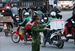 Bến xe Hà Nội 'vắng như chùa bà Đanh' ngày áp Tết