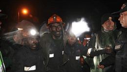 Sập hầm than, 4 thợ mỏ bị kẹt suốt 4 ngày