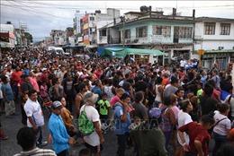 Số người di cư trái phép tập trung tại cửa khẩu Mỹ-Mexico tăng kỷ lục