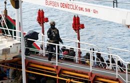Một nhóm người di cư cướp tàu buôn trên biển Địa Trung Hải