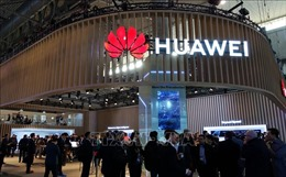 Anh khẳng định sẽ 'đánh giá hết sức kỹ càng' nếu sử dụng thiết bị của Huawei