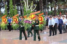 Truy điệu, an táng hài cốt liệt sĩ quân tình nguyện và chuyên gia Việt Nam hy sinh tại Campuchia