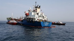 Iran cảnh báo tàu chiến Mỹ tại vùng Vịnh