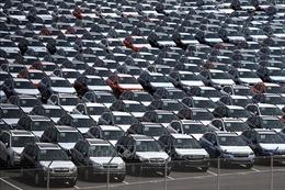 Mỹ hoãn kế hoạch tăng thuế ôtô nhập khẩu trong 180 ngày