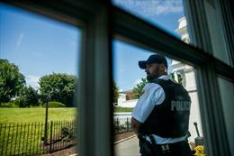 Mỹ liên tiếp phong tỏa Nhà Trắng vì phát hiện bưu kiện khả nghi