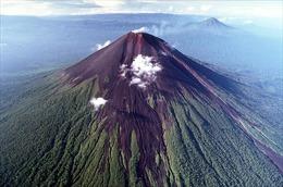 Cảnh báo núi lửa Ulawun ở Papua New Guinea phun trào